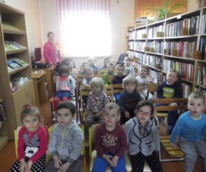 Przedszkolaczki w bibliotece …