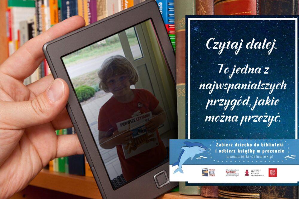 """książeczkę """"Pierwsze czytanki dla..."""" otrzymał Przemek"""